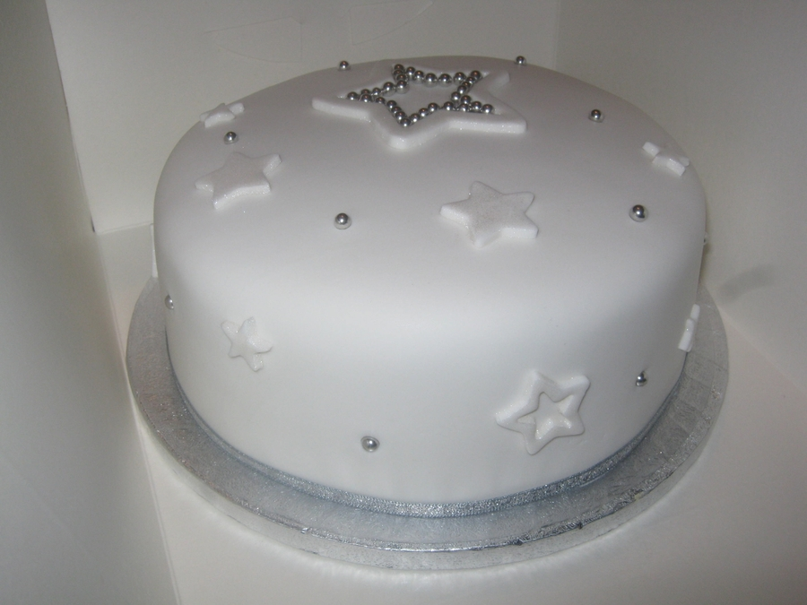 Christmas Cake Decoration With Stars : Star Christmas Cake - CakeCentral.com