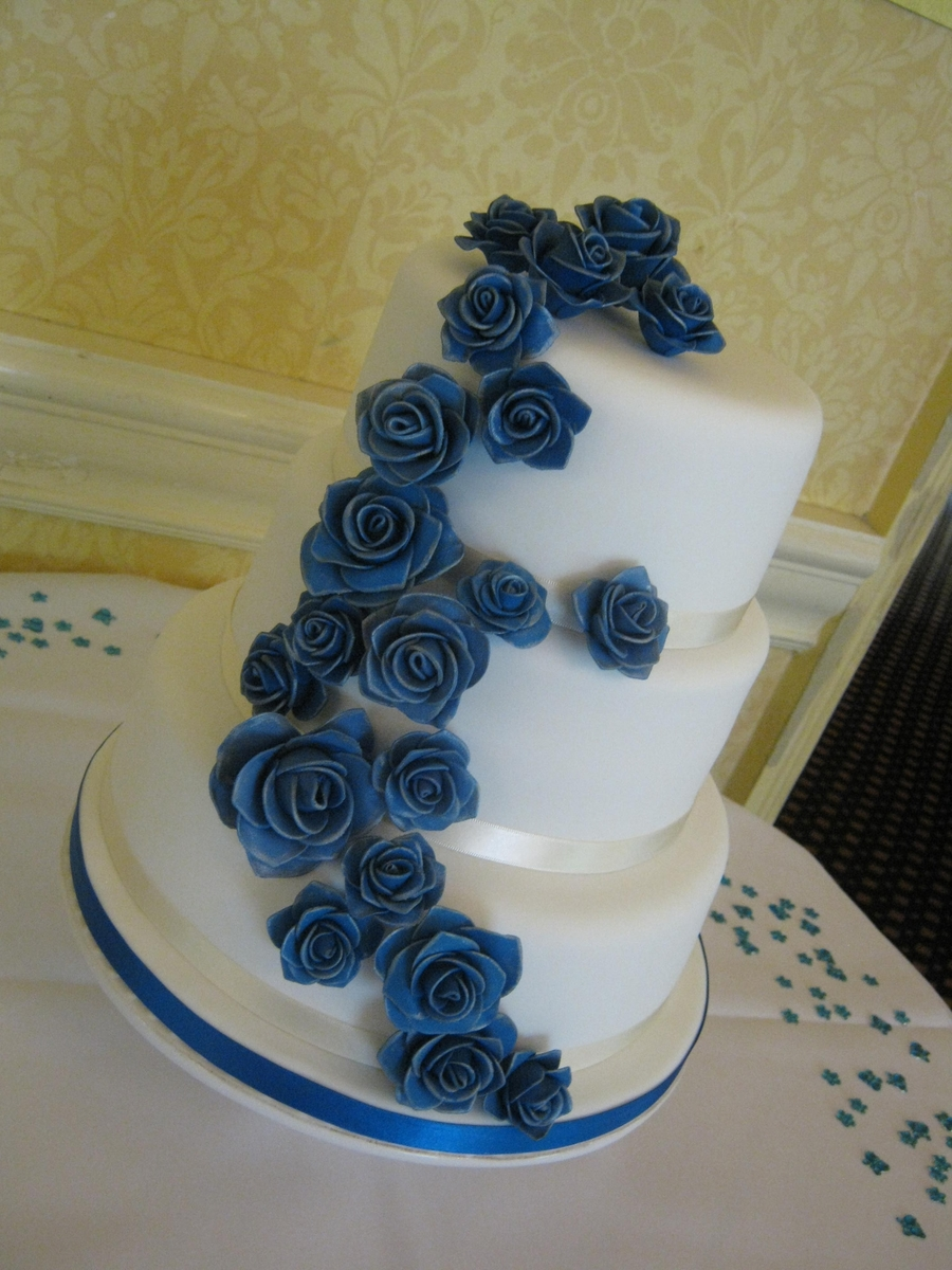 3 tier blue wedding cake 3 tier white and blue wedding cake cakecentral 10215