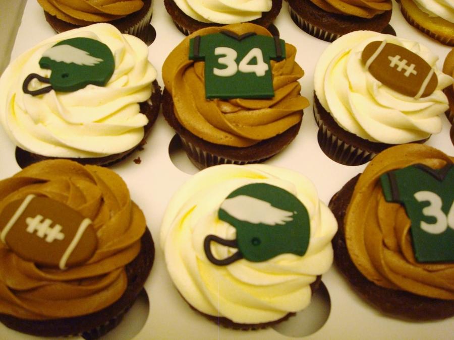 Philadelphia Eagles Cupcakes - CakeCentral.com