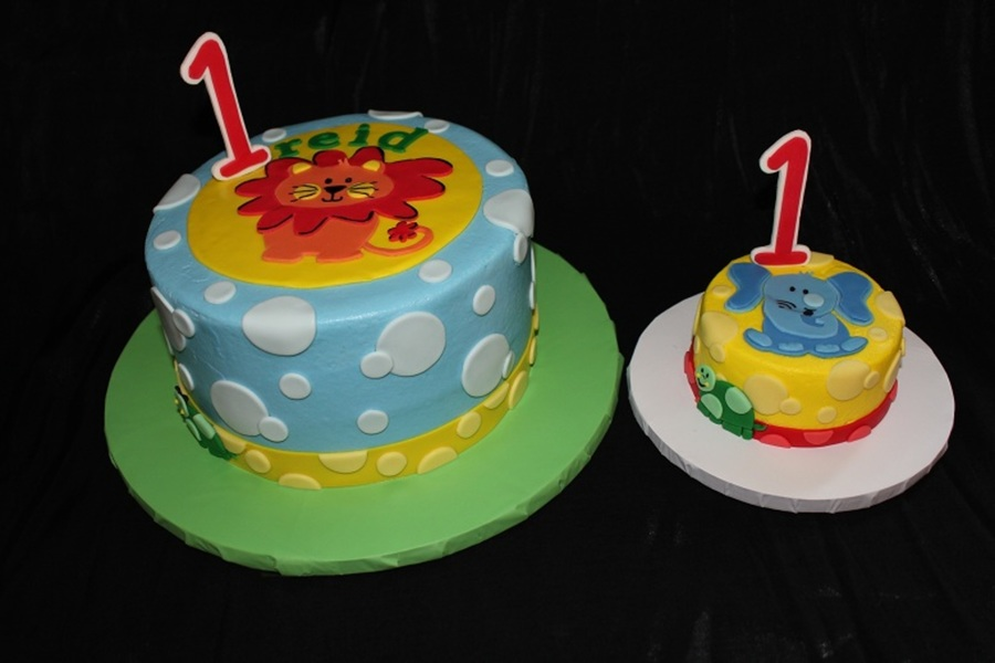 Safari Friends 1st Birthday With Matching Smash Cake Cakecentral