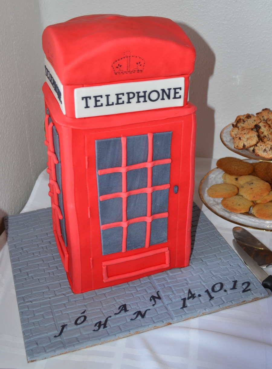 London Telephone Box  on Cake Central