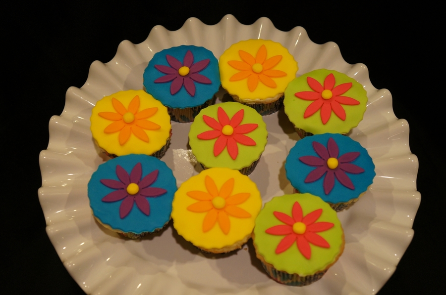 Ready For Spring Cupcakes  on Cake Central
