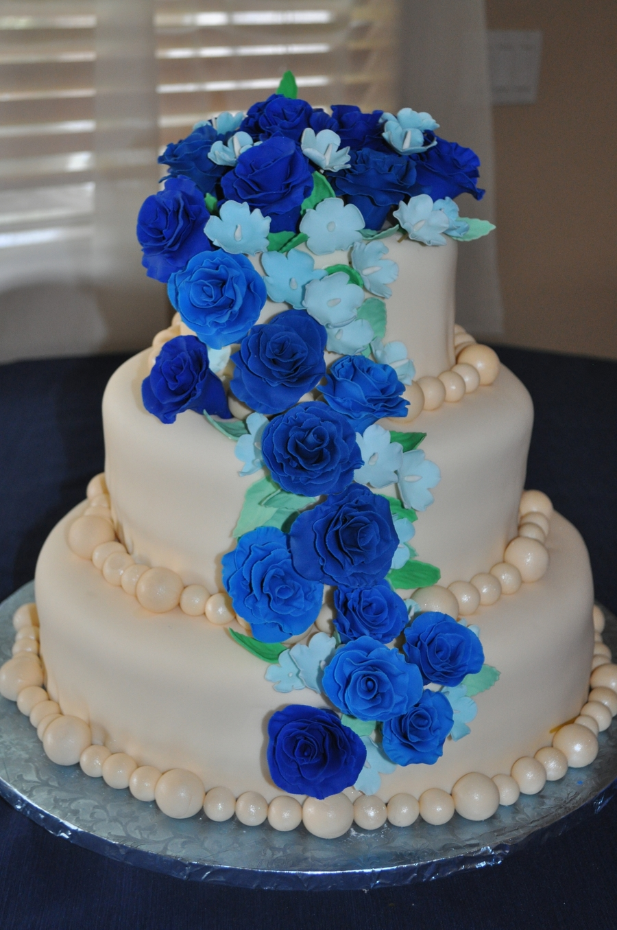 3 tier blue wedding cake three tone blue three tiered wedding cake cakecentral 10215