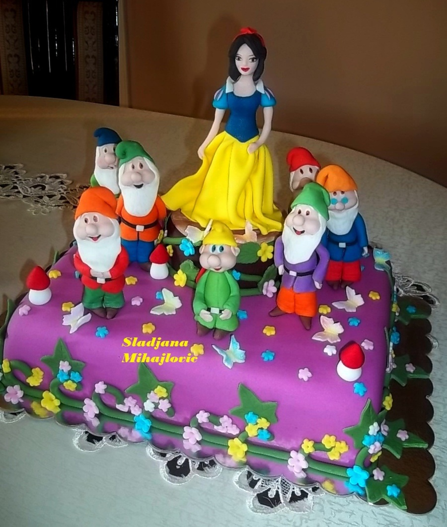 Snow White And Seven Dwarfs Cake Cakecentral
