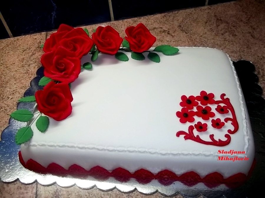 Red Roses on Cake Central