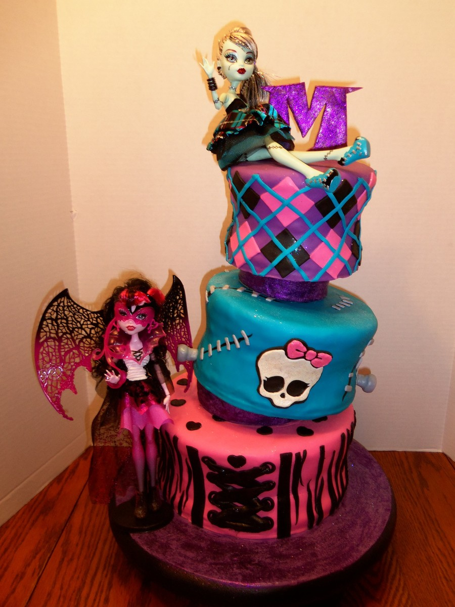 This Is A Monster High Cake For A 10 Year Olds Birthday The Mother Wanted 2 New Dolls Included In The Design As Well I Used Richard Rus on Cake Central