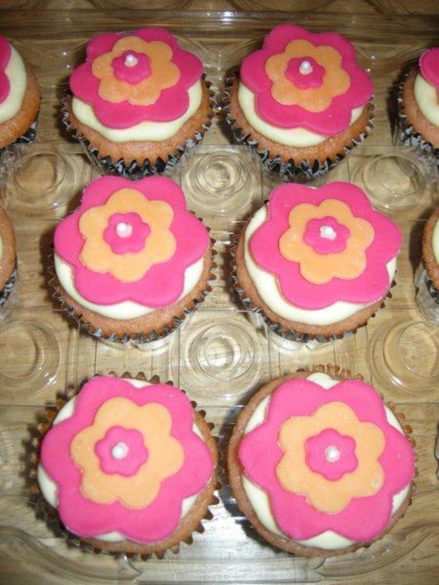 Pink lemonade flower cupcakes cakecentral mightylinksfo