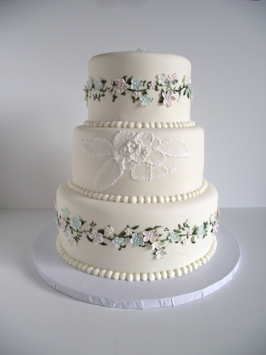 Delicate Flowers on Cake Central