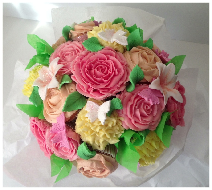 Cupcake Bouquet For A 60Th Birthday 15 Cupcakes In Total ...