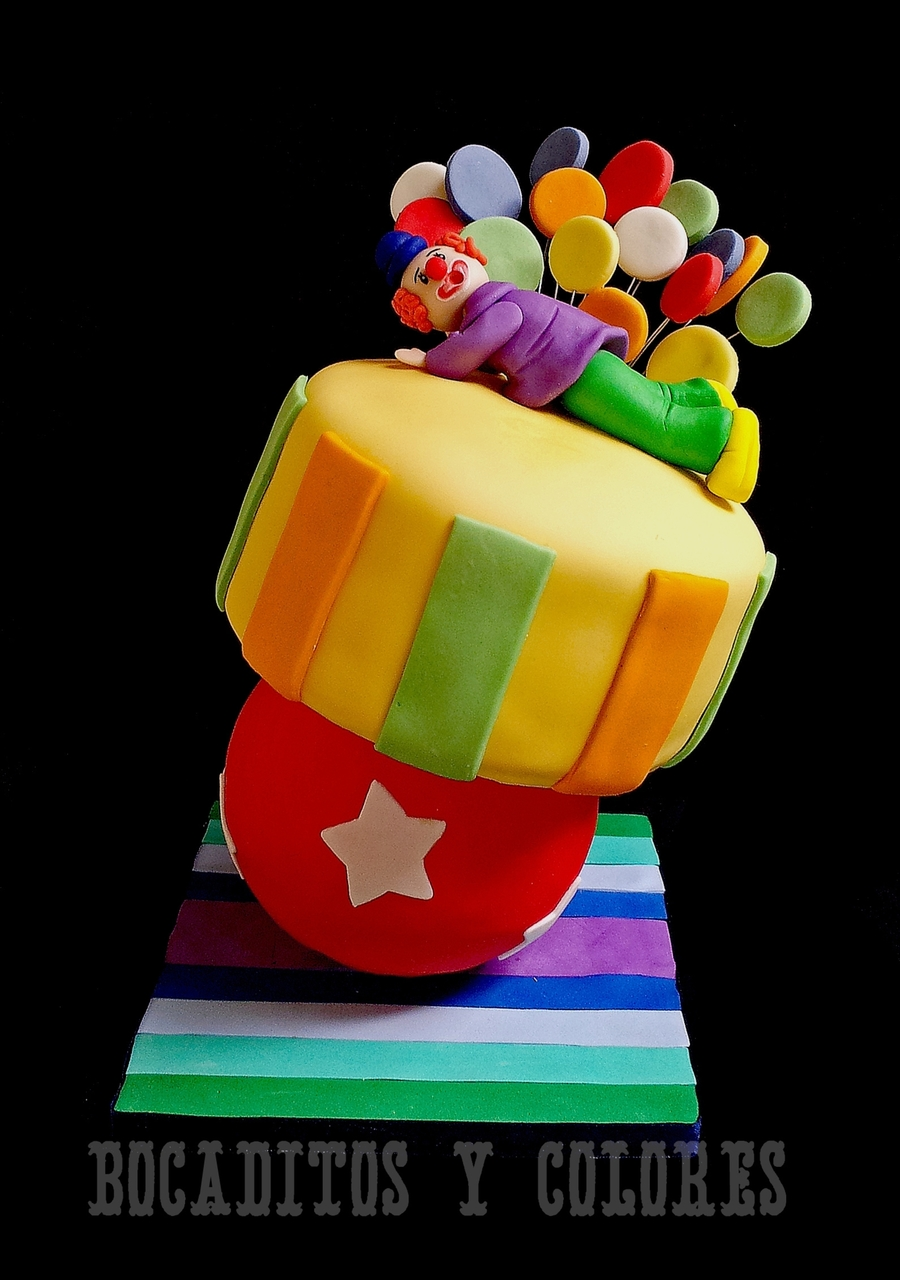 Clown Topsy Turvy on Cake Central