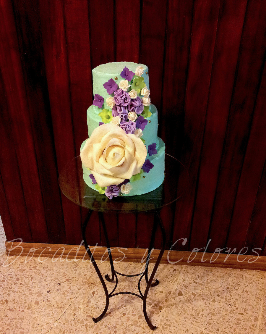 Flower Cascade on Cake Central