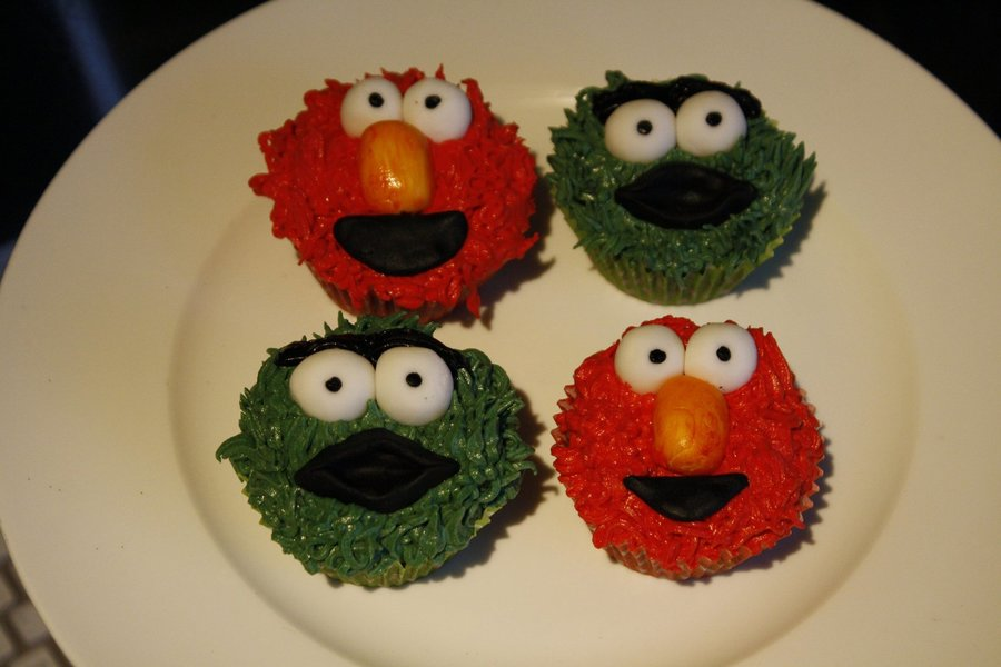 Elmo And Oscar The Grouch Cupcakes on Cake Central