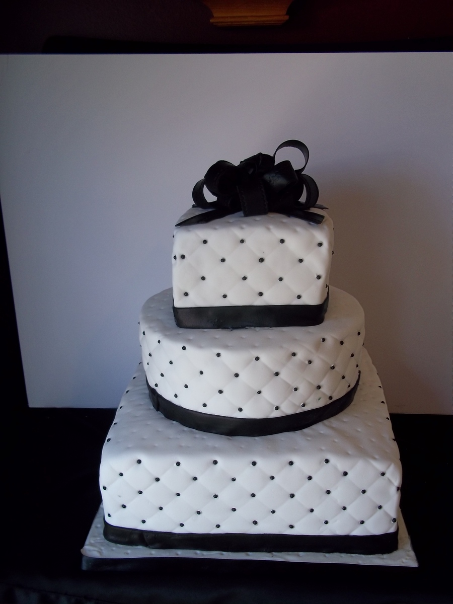 Black And White Beaded Wedding Cake Cakecentral Com