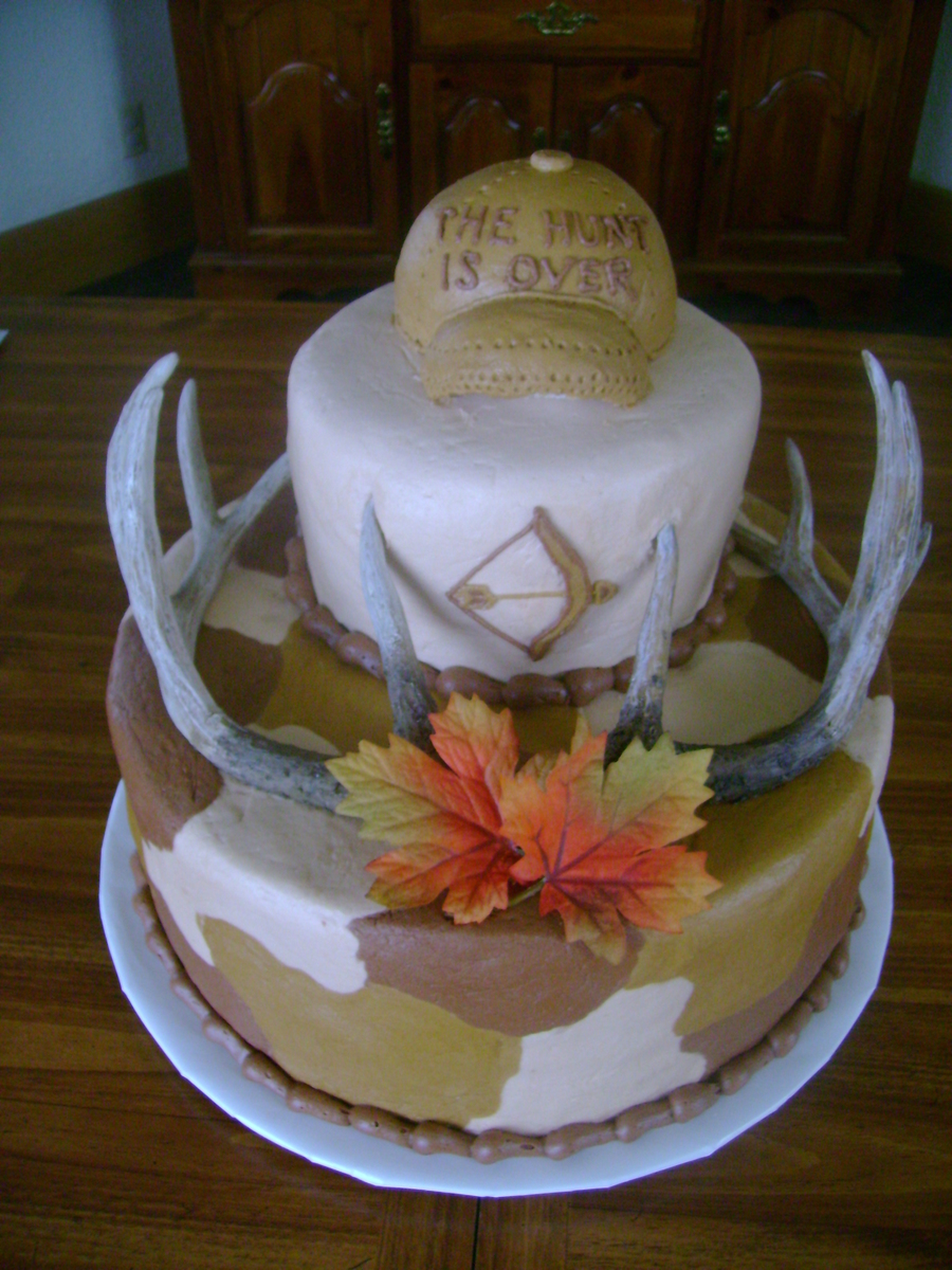 "Groom's ""hunting"" Cake on Cake Central"