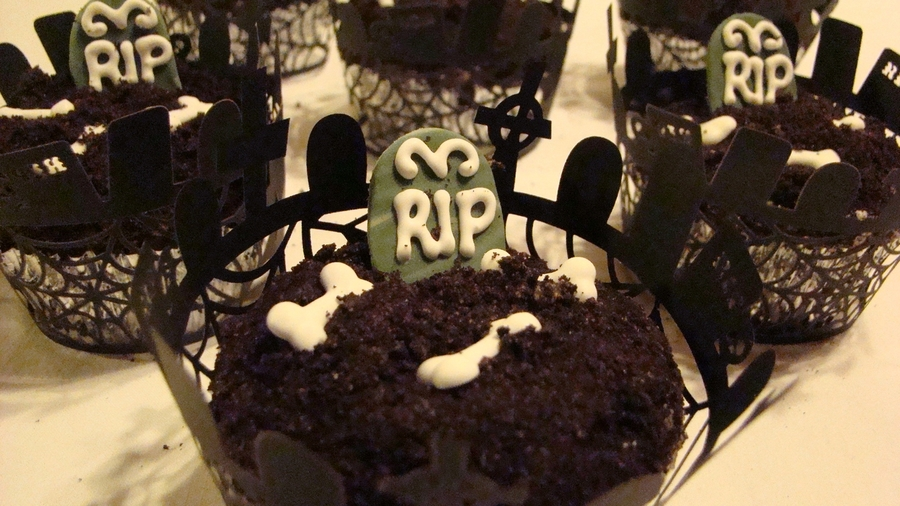Graveyard Cupcakes on Cake Central