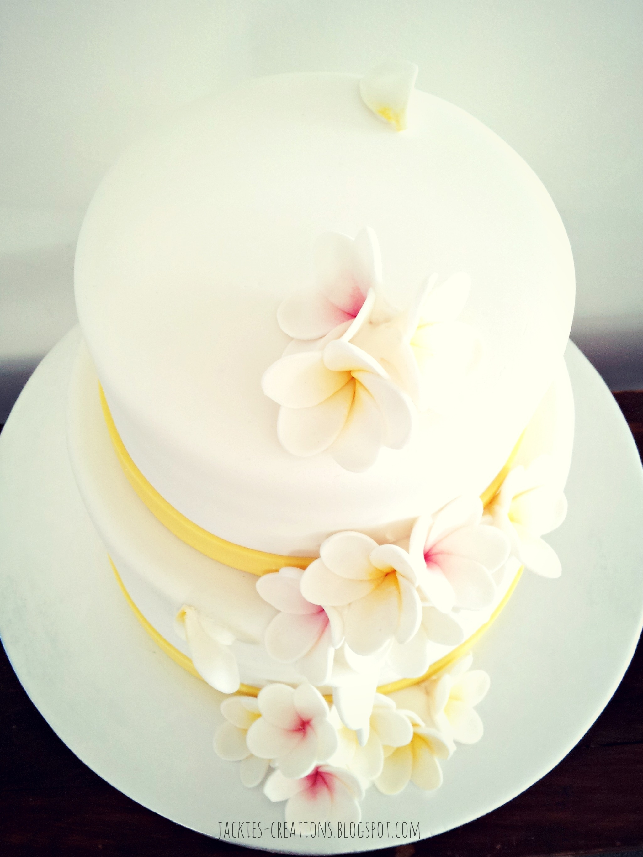 frangipani wedding cakes frangipani wedding cake cakecentral 14445