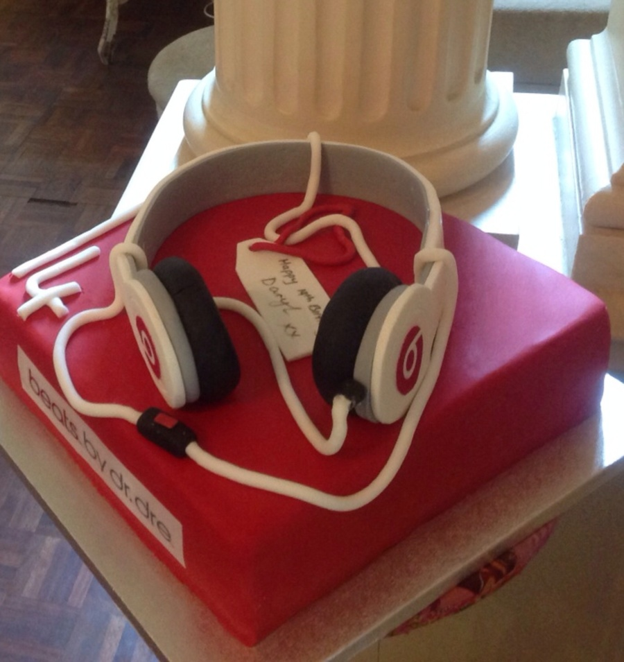 Headphone Birthday Cakes