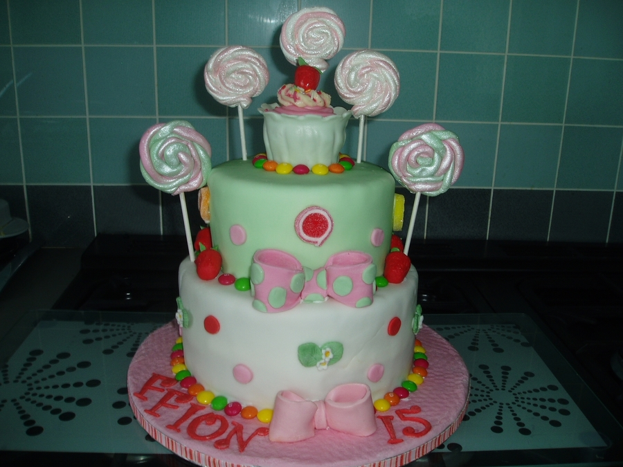 Another Strawberries And Lollipops on Cake Central