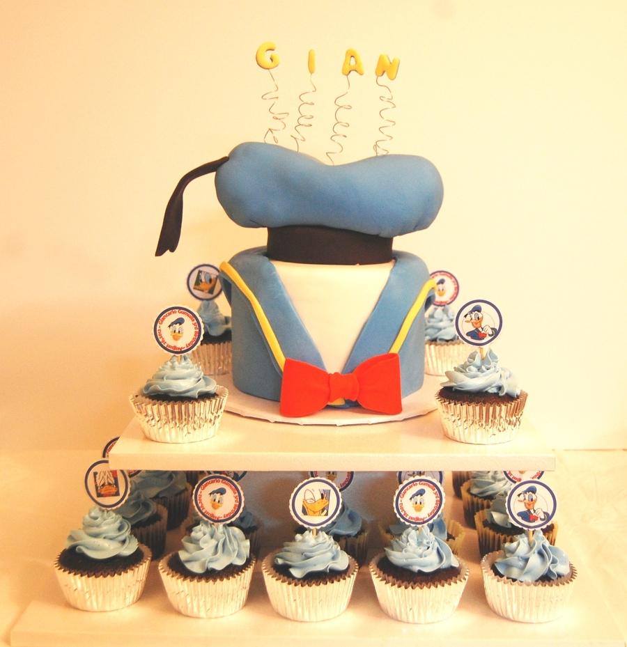 Surprising Donald Duck Birthday Theme Cakecentral Com Personalised Birthday Cards Veneteletsinfo