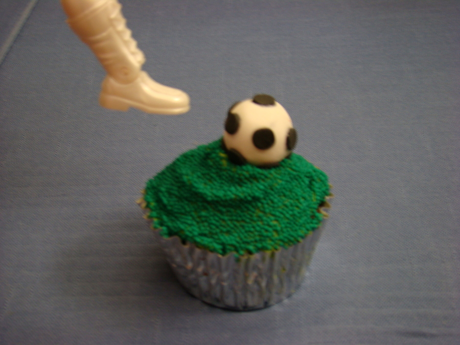 Soccer Cupcake on Cake Central