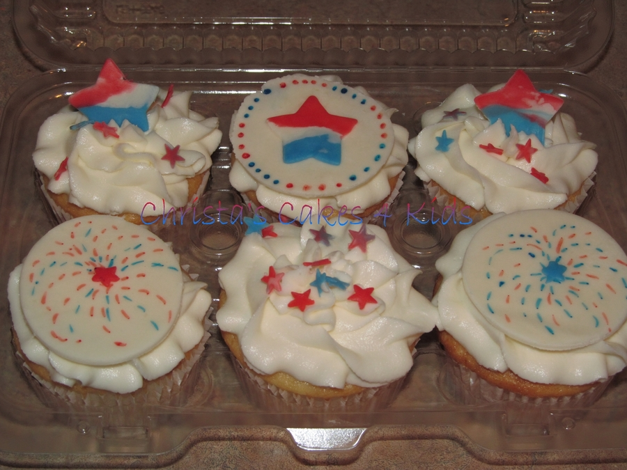 Quick Red, White, And Blue For The Pot Luck on Cake Central