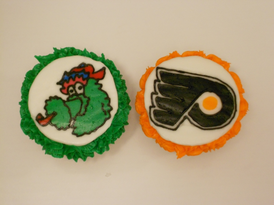 Flyers And Phillie Phanatic on Cake Central