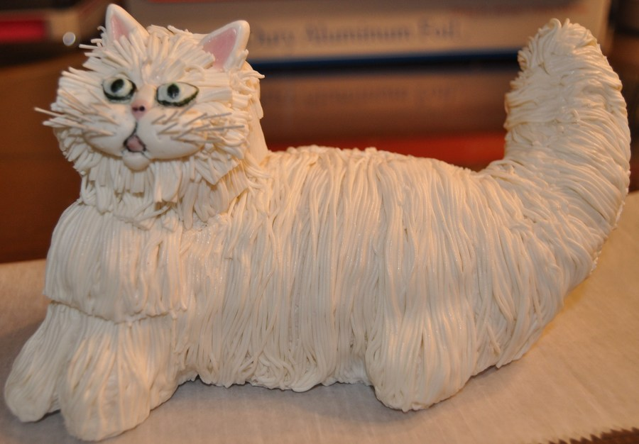 White Persian Cat on Cake Central
