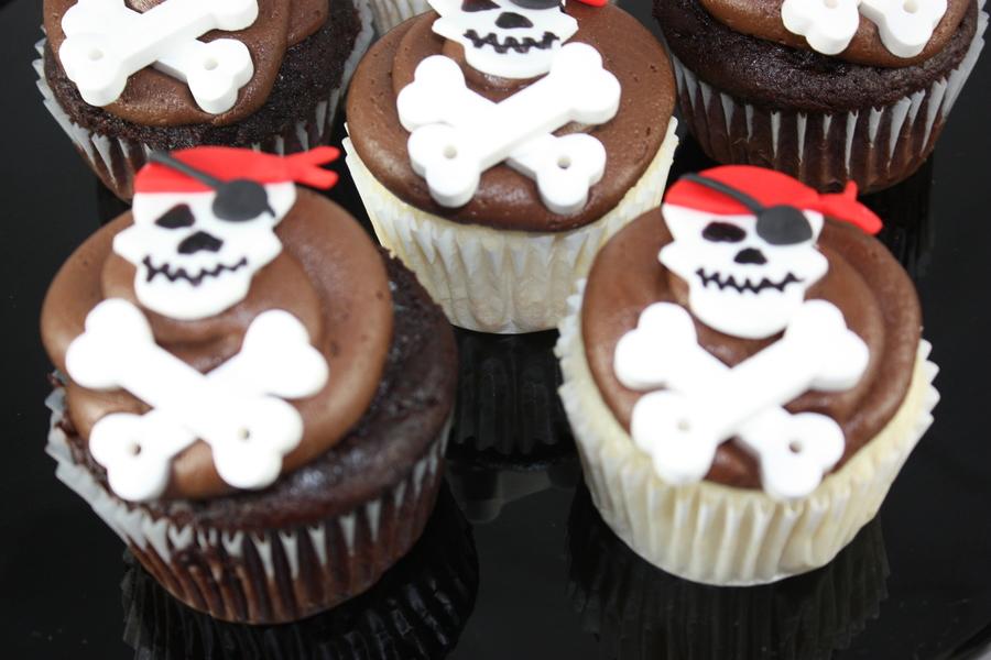 Pirate Cupcakes on Cake Central