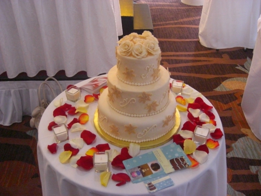 Gold And Ivory on Cake Central