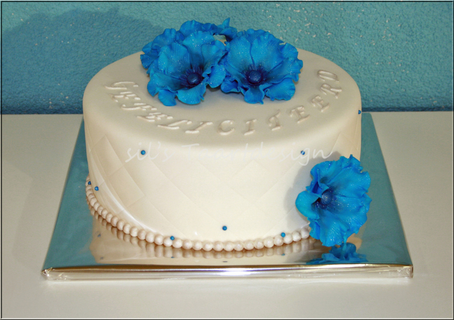 Fantasy Flowers on Cake Central