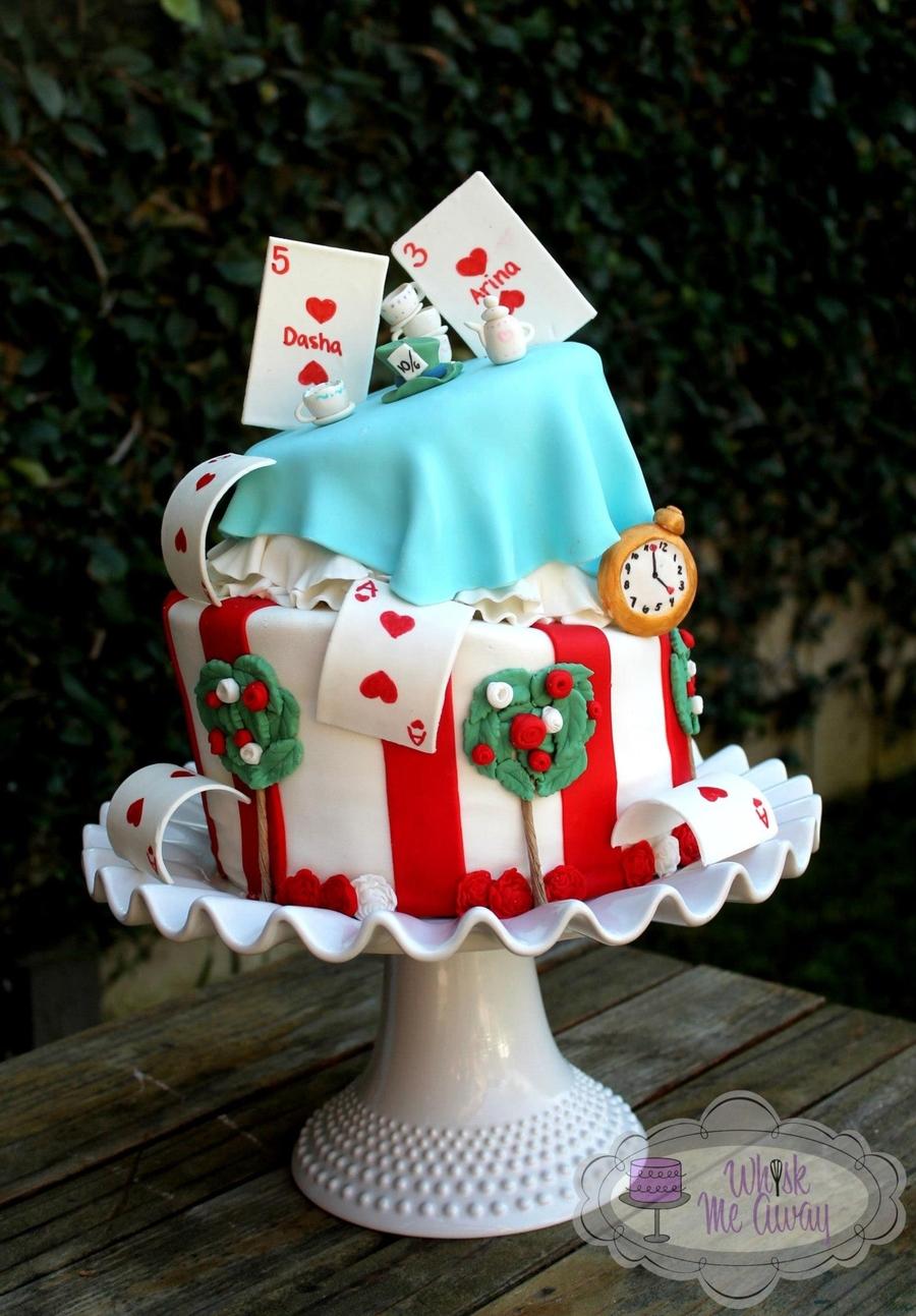 Topsy Turvey Alice In Wonderland Cake Cakecentral Com