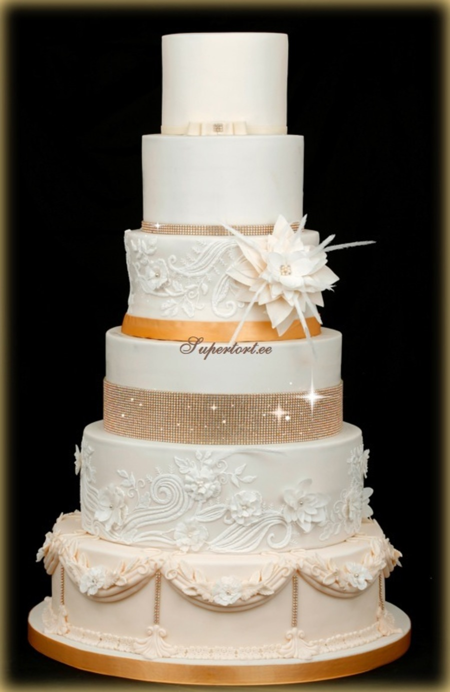 lace icing for wedding cakes glam and shine wedding cake stones are not edible flower 16685