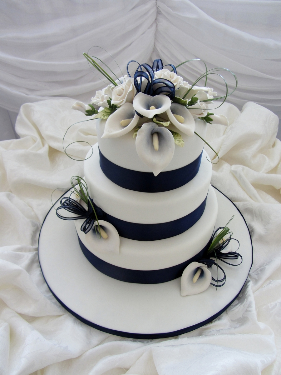 largest wedding cake in dallas navy blue calla lilies cakecentral 16709