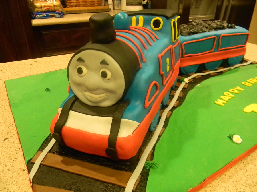 Making A Thomas Birthday Cake
