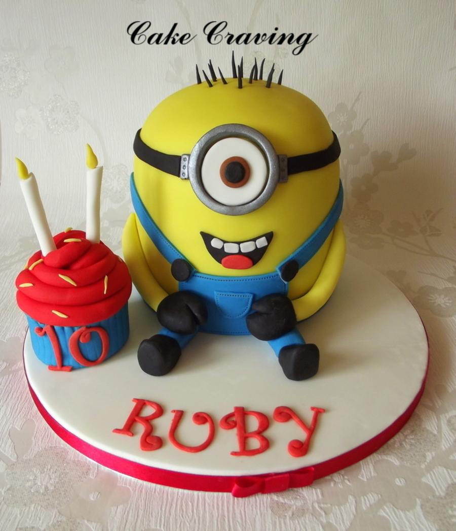 Minion Cake - CakeCentral.com