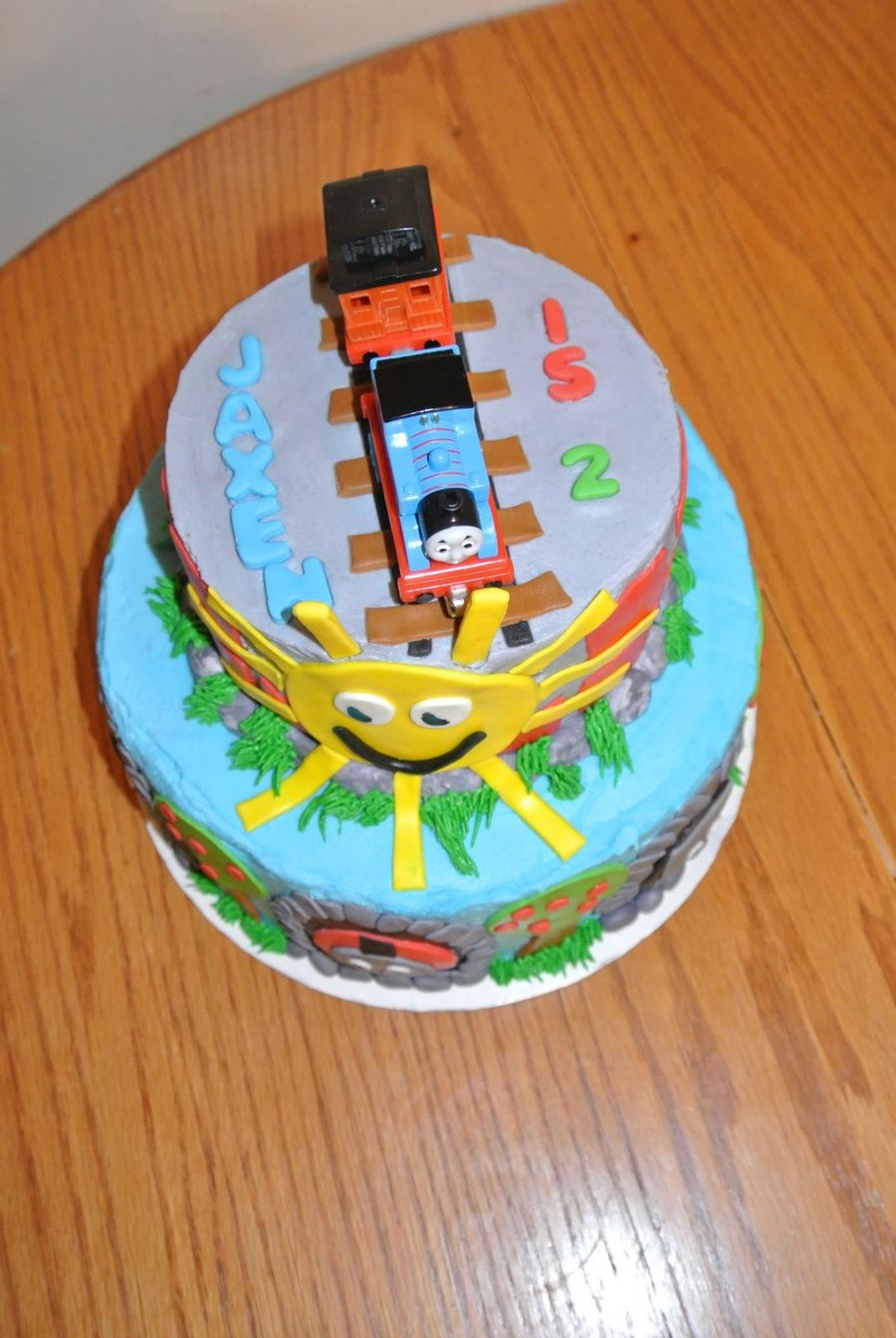 Cake Decorating Fondant Characters : Thomas The Tank Engine - CakeCentral.com