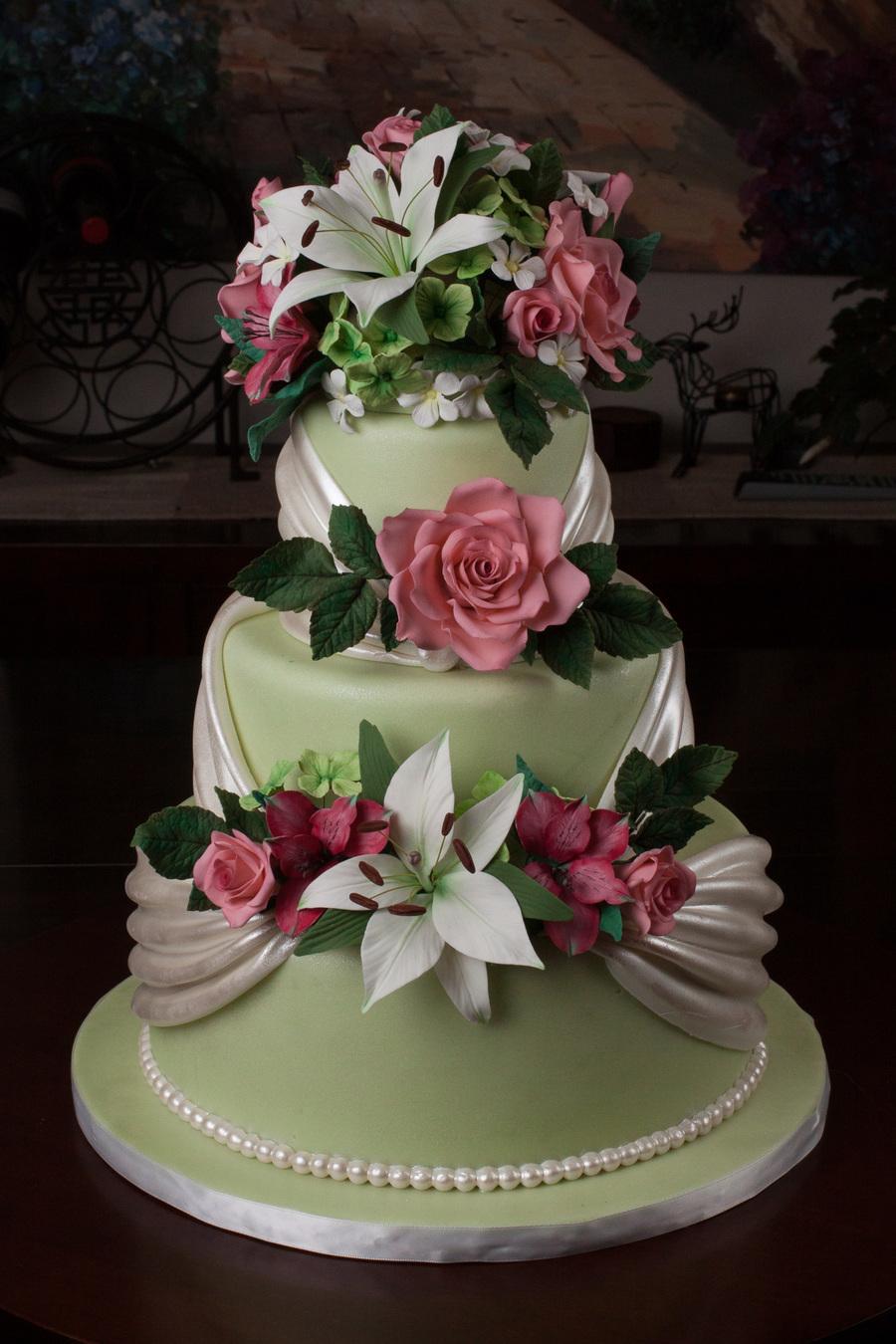 Professional Cake Decorating