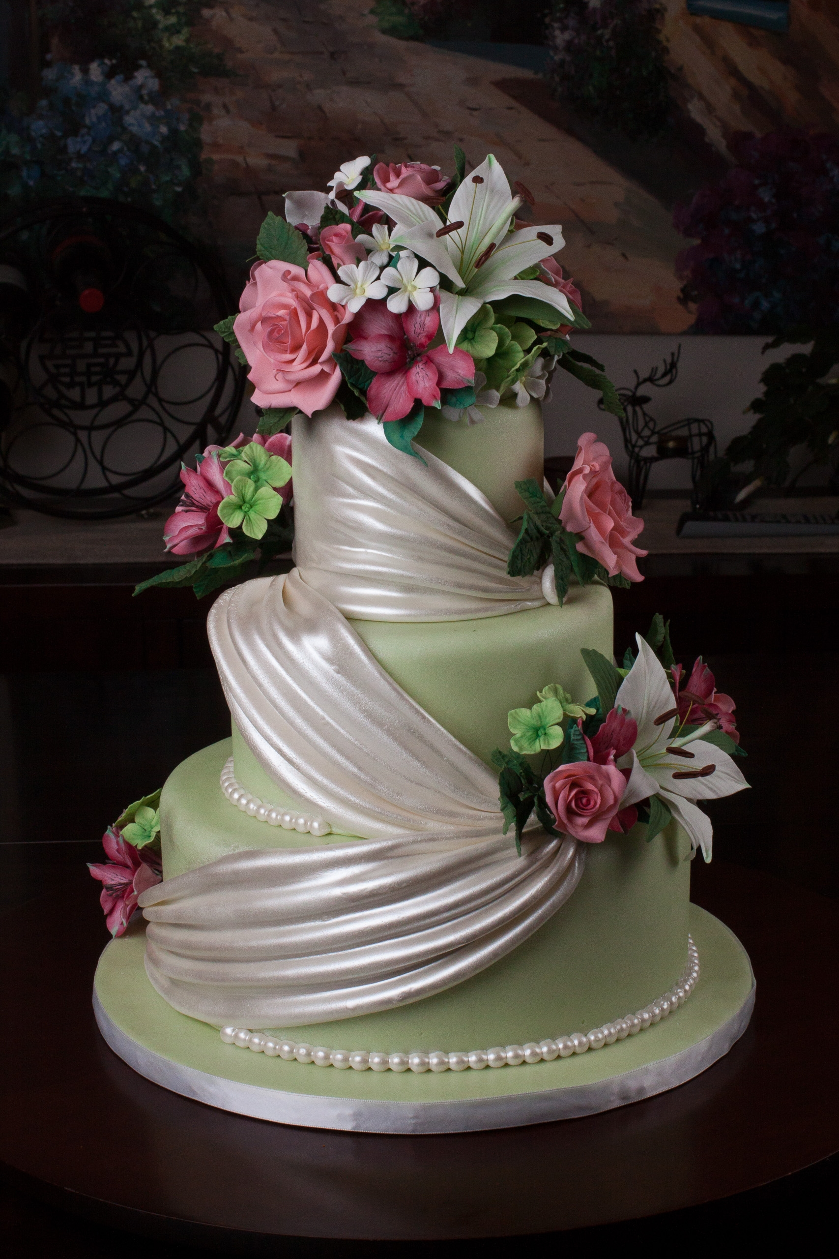 Wedding Cake With Sugar Flowers I Put This Into A Cake
