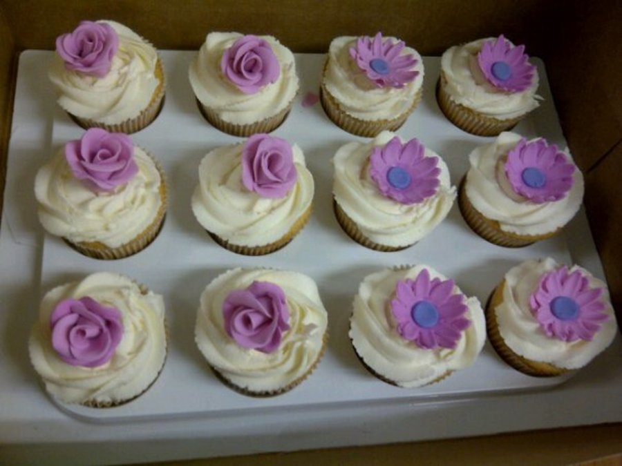 Cupcakes For A Little Girl Turning 7