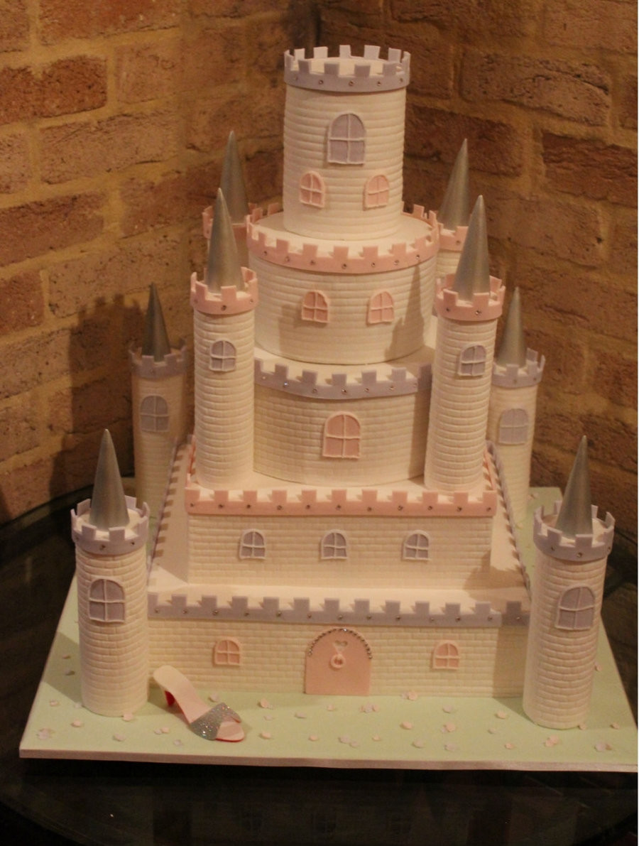 Gemma's Castle on Cake Central