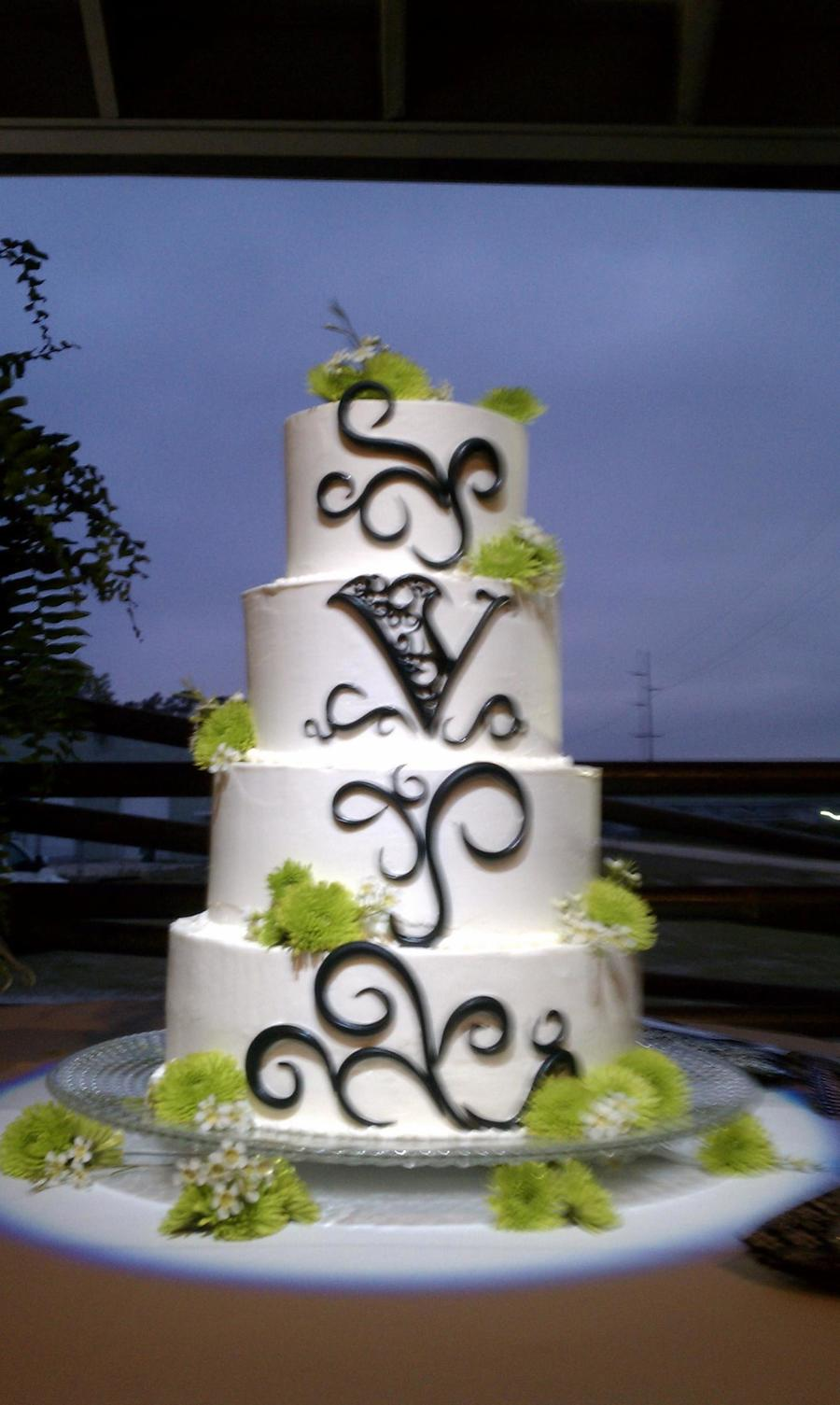 Glam I Black And White on Cake Central