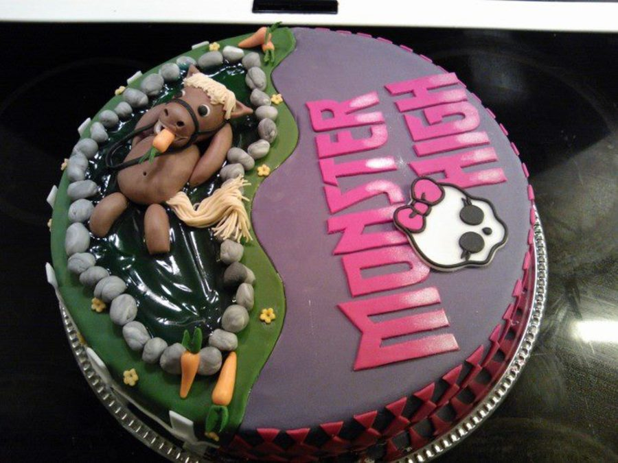 Monster High And Horse on Cake Central