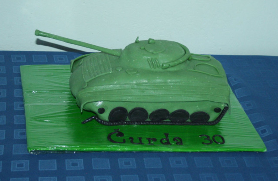 Tank 2 on Cake Central