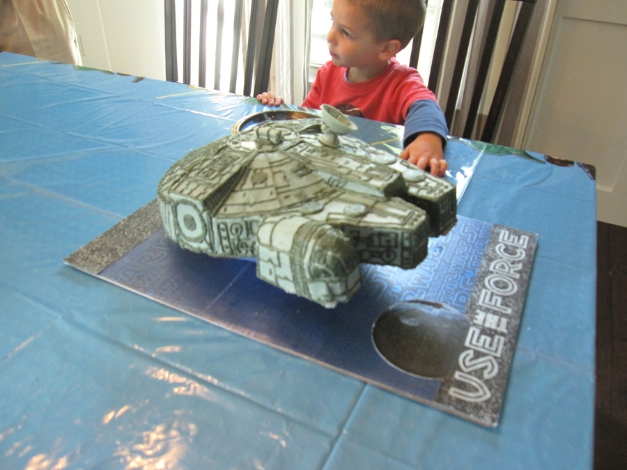 Star Wars Millennium Falcon on Cake Central
