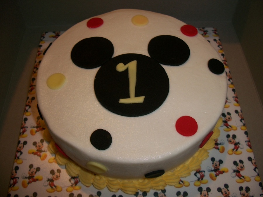 mickey mouse smash cake mickey mouse smash cake cakecentral 5888