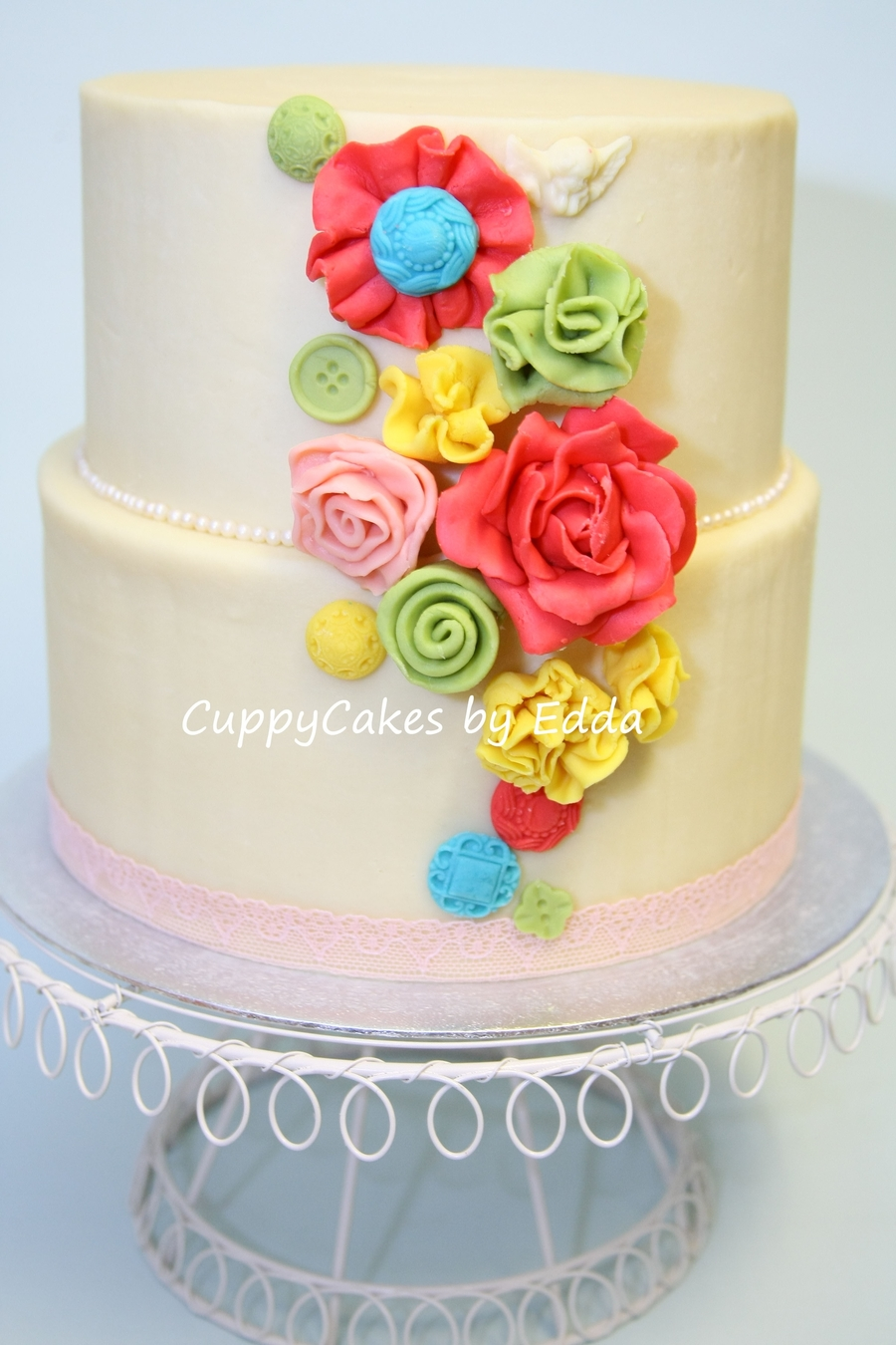 Chocolate Modelling Flowers And Buttons on Cake Central