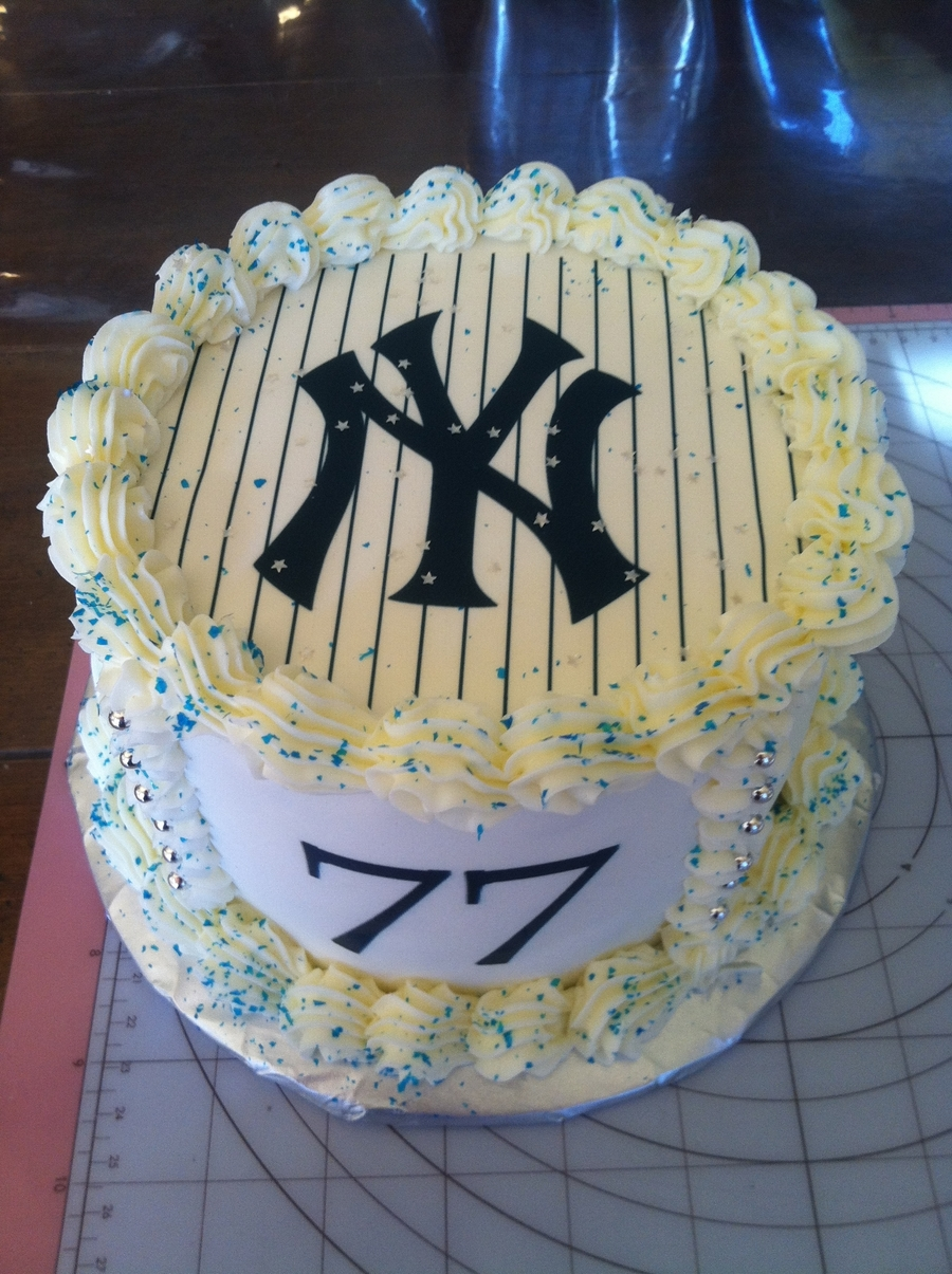 Yankee's Birthday Cake on Cake Central