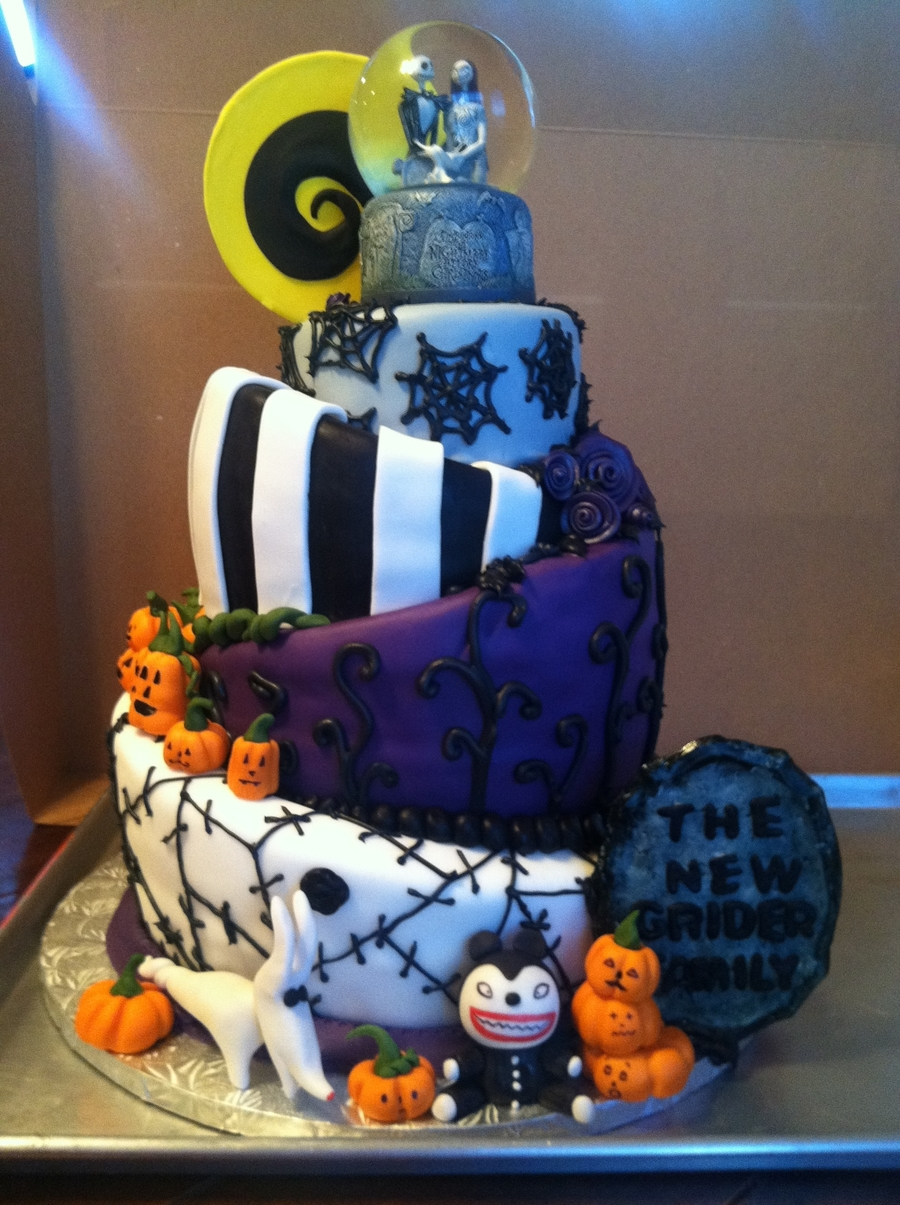 nightmare before christmas wedding cake ideas topsy turvy nightmare before wedding cake 17891