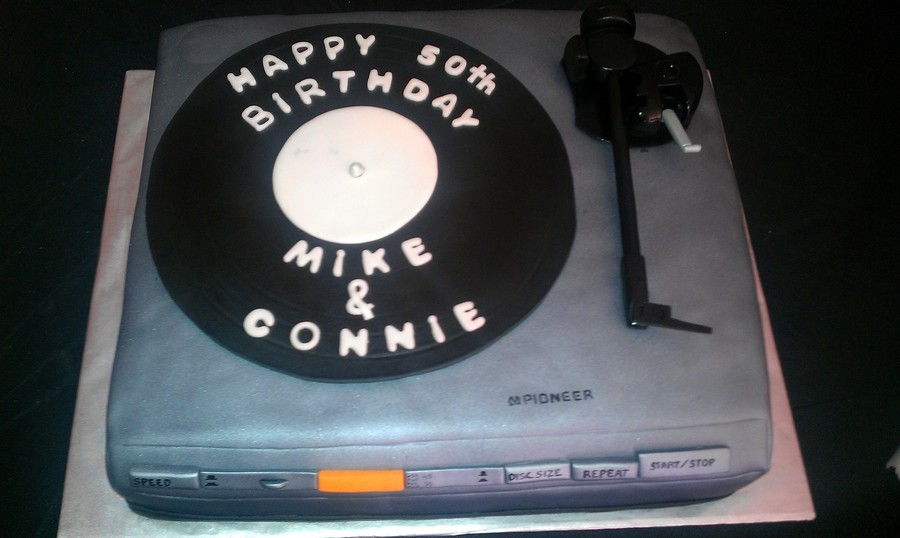Record Player Replica on Cake Central