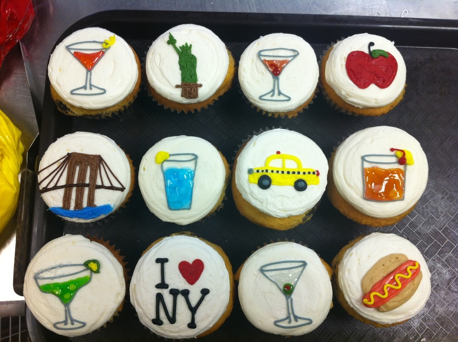 New York/cocktail Themed Cupcakes on Cake Central